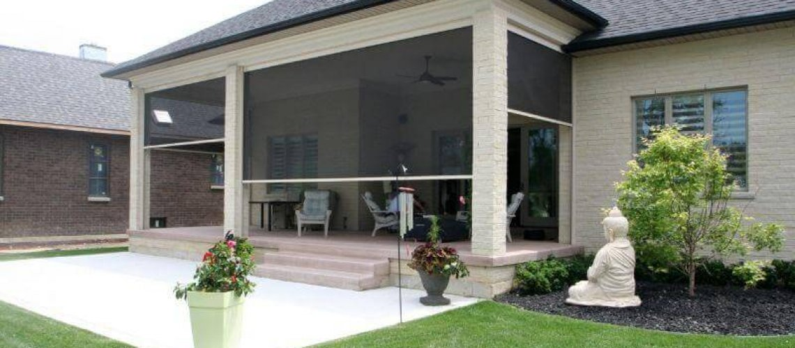 outdoor privacy screen on a patio